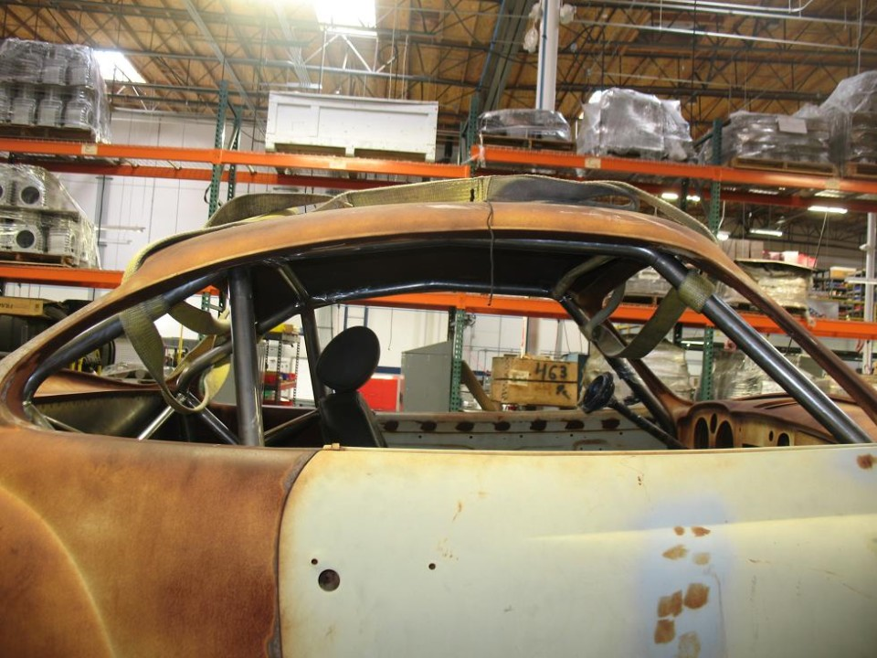 Karmann Ghia Roll Cage (bar view)