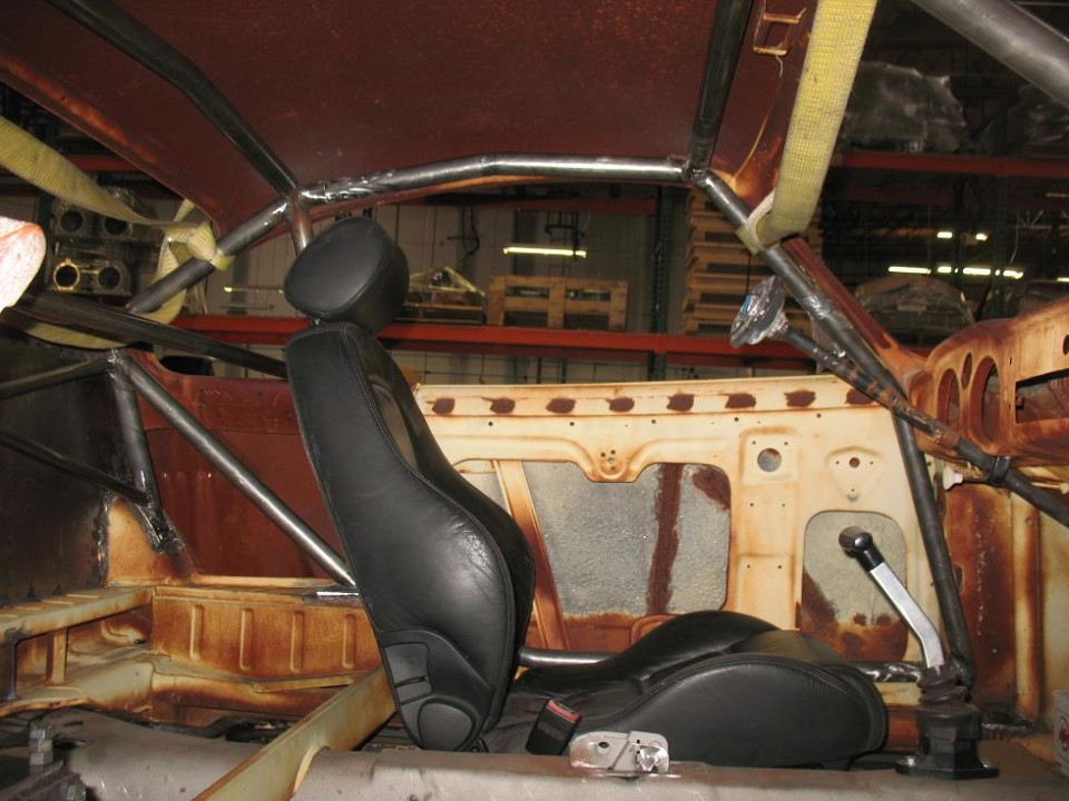 Karmann Ghia Roll Cage (interior view - 1)