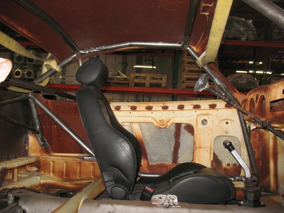 Karmann Ghia Roll Cage (interior view - 1)